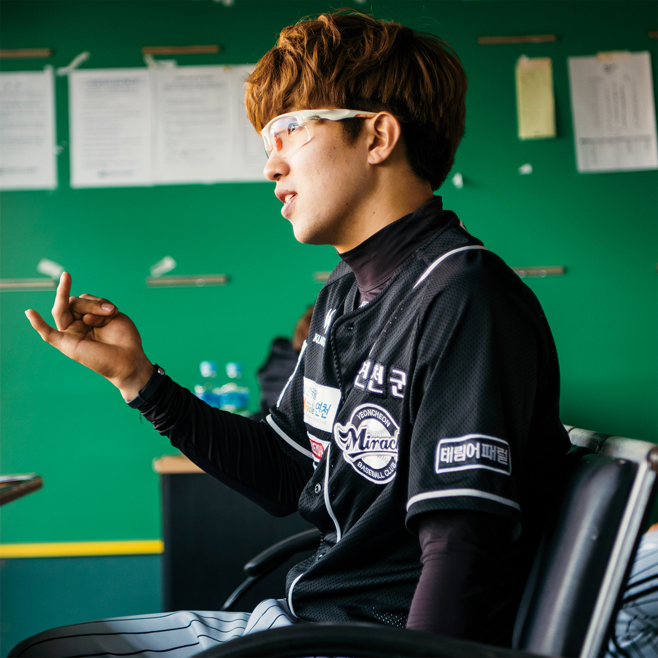 """<strong>김선곤(5번, 1992년생), 내야수</strong><br/>""""야구 그만두고 다른 일을 좀 했어요. 그때는 어려서 운동의 소중함을 몰랐어요. 이제는 제가 왜 운동을 해야 하는지 알아요."""""""
