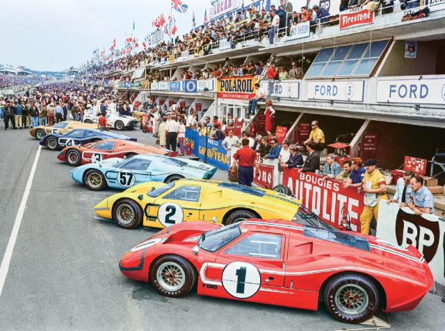 1967년 르망의 포드 GT40.