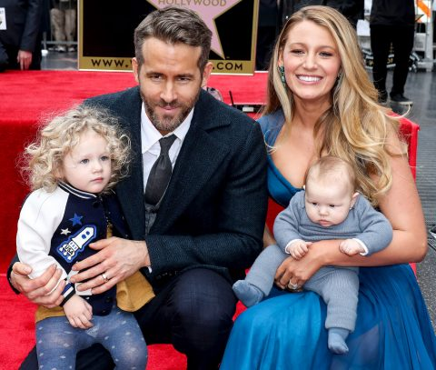 할리우드의 대표 섹시가이면서도 '패밀리 맨'으로 유명한 라이언 레이놀즈와 그의 가족.