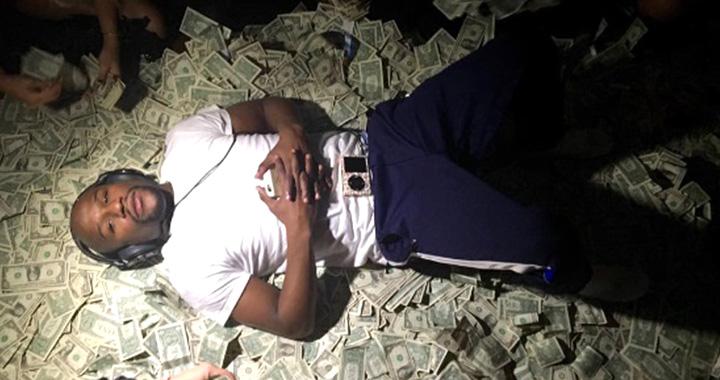 '억' 소리 나는 연봉을 받는 스포츠 스타들이 돈을 쓰는 각양각색 방법.