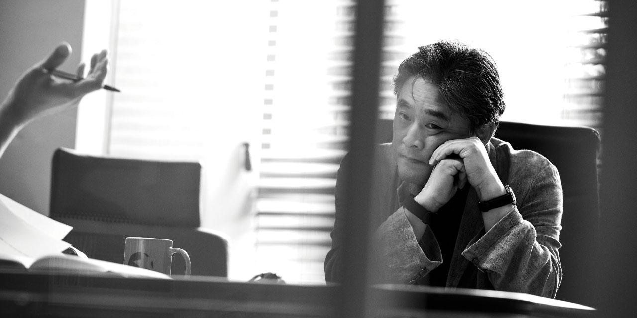 박찬욱의 완성을 칭송하는 세상에서 박찬욱은 여전히 미완의 박찬욱을 보고 있다.