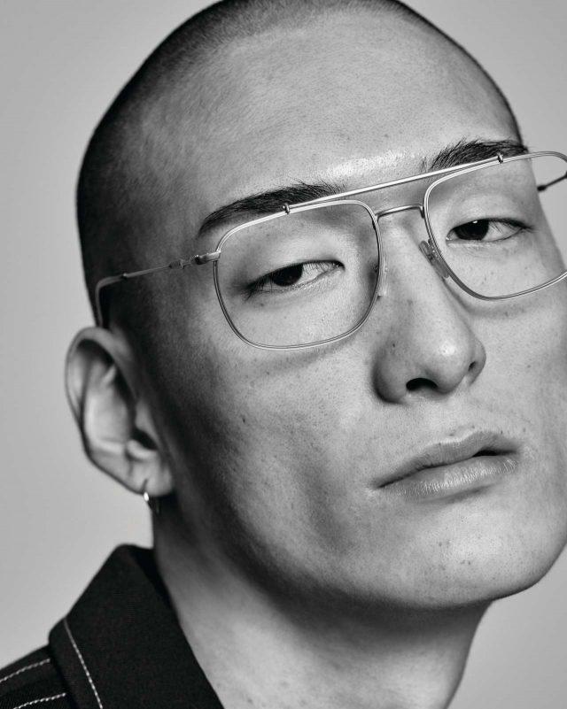 재킷 175만원 펜디. 안경 40만원대 프라다 by 룩소티카 코리아.
