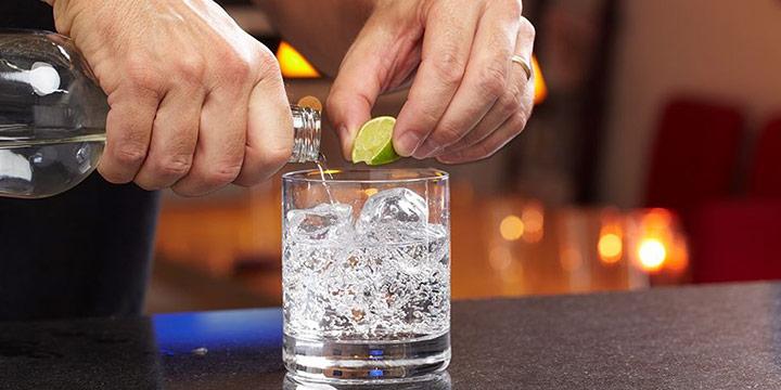 진토닉을 마실 때 흔히 하는 일곱 가지 실수.
