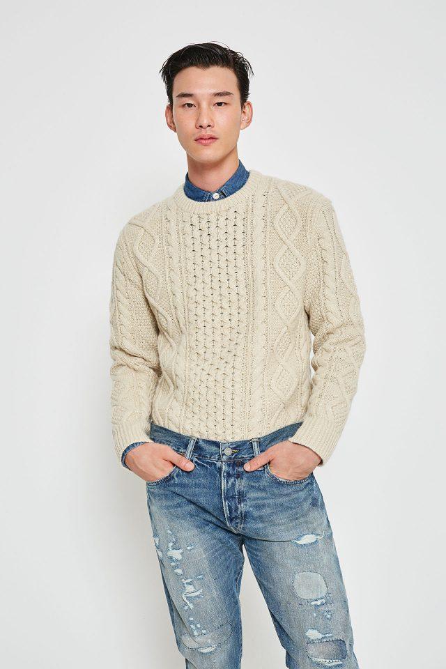 스웨터 34만원대, 데님 셔츠 14만원대, 설리반 슬림 데미지 데님 진 28만원대 모두 폴로 랄프 로렌.