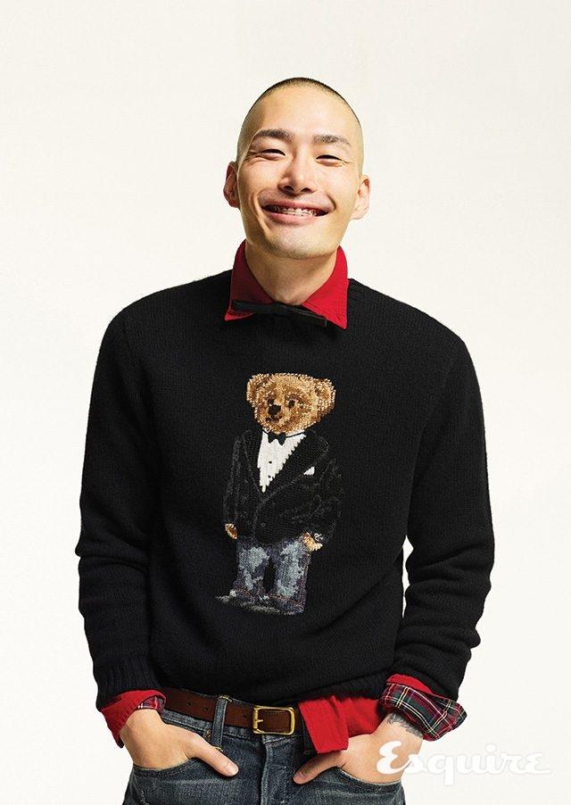 스웨터 40만원대, 셔츠 가격 미정, 청바지 19만원대, 벨트 가격 미정 모두 폴로 랄프 로렌. 보타이 18만원 발렌티노 가라바니.