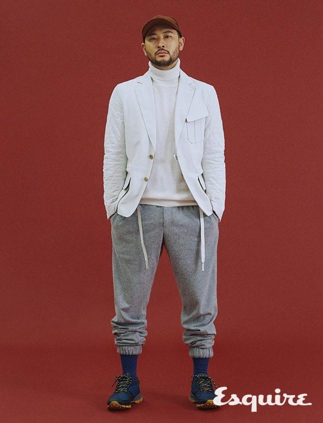 풀오버, 가죽 재킷, 바지, 모자 모두 Z제냐. 신발 프라다.