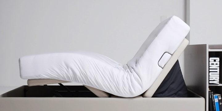 침대가 스스로 윗몸 일으키기를 한다? 접었다 폈다 자유롭게 움직이는 그 침대, 얼마나 쓸모 있을까.