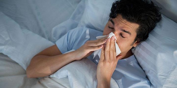감기에 걸렸는데 무슨 죽을병에 걸린 것처럼 행동하는 남자가 주변에 하나씩은 꼭 있다.