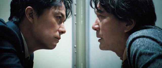 '세 번째 살인'은 믿음을 배반하는 사회로부터 방치된 진실에 관한 영화다.