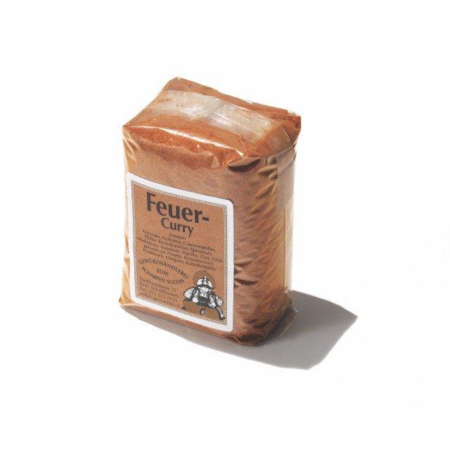 술탄 게부르체 불맛 커리전통 시장에서 향신료를 팔고 시장 스케줄을 홈페이지에 올린다. 스위스식 온·오프라인 믹스 비즈니스다. 이건 가장 맵다. 6.5스위스 프랑.
