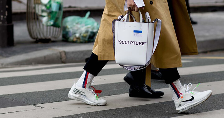 2018 FW 패션 위크가 열리고 있는 파리에서 지금 유행하는 스타일.
