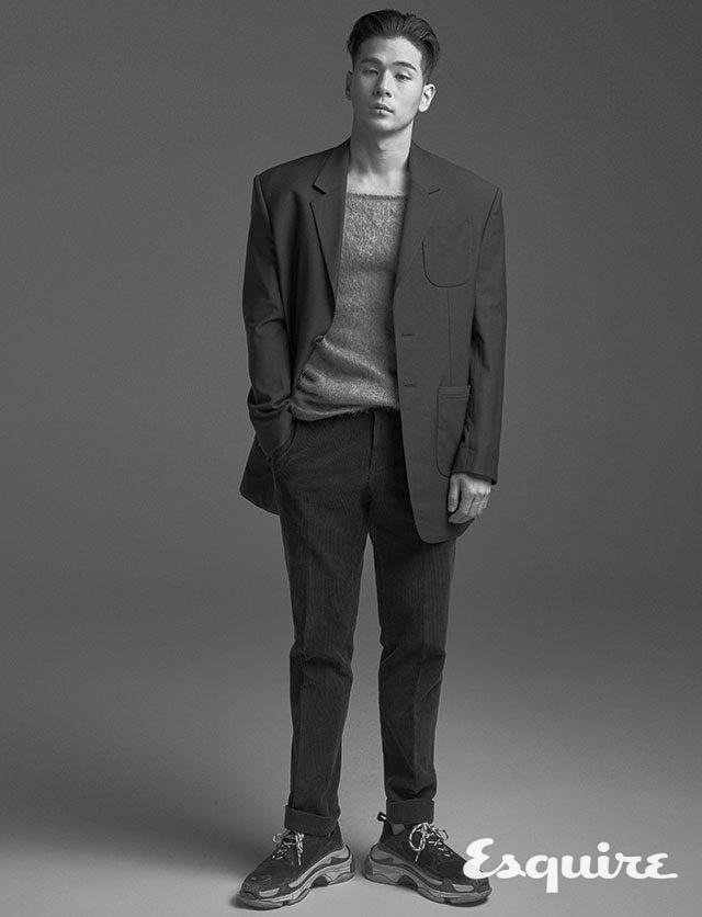재킷 237만4000원 스틸레 라티노 나폴리 by 샌프란시스코 마켓. 조끼 가격 미정 엠포리오 아르마니. 모자 에디터 소장품.