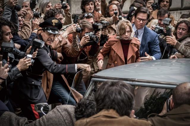 '올 더 머니'는 자본주의라는 지옥에서 잉태된 악마에 관한 영화다.