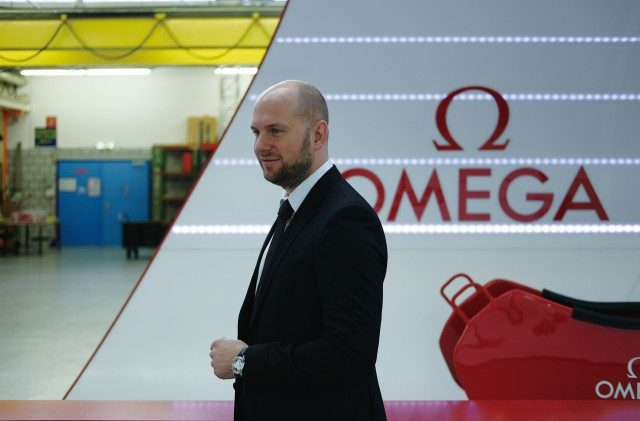스위스 타이밍 CEO 알랑 조브리스트. 그를 제외한 다른 직원들은 보안과 프라이버시를 이유로 사진 촬영이 금지되어 있다.