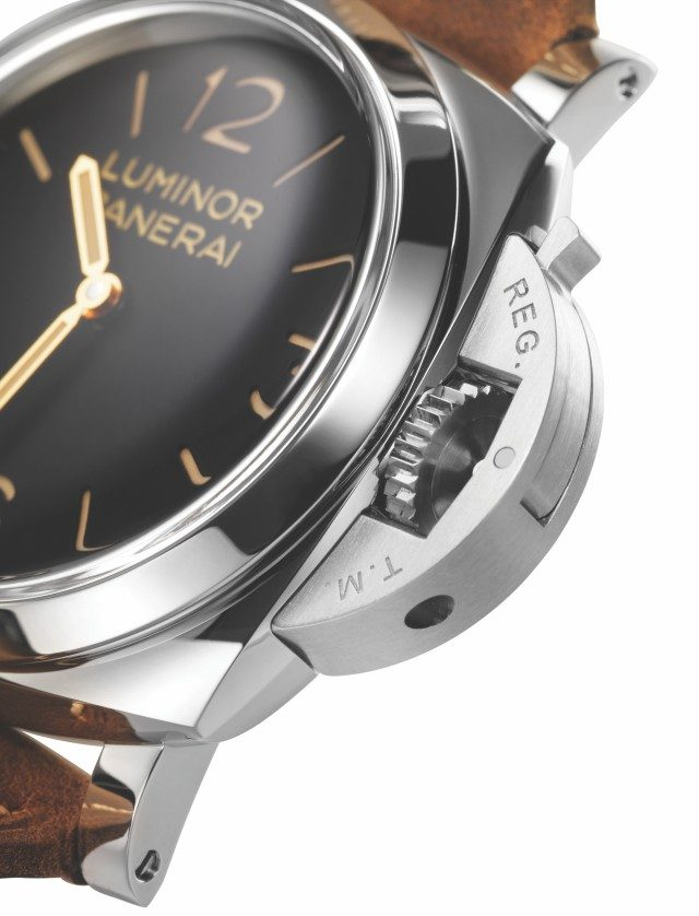 파네라이 루미노르 1950 3 데이즈 아치아이오가 이 시계의 정식 이름이다. 품번은 PAM 00372, 애호가들은 372라고만 해도 안다.