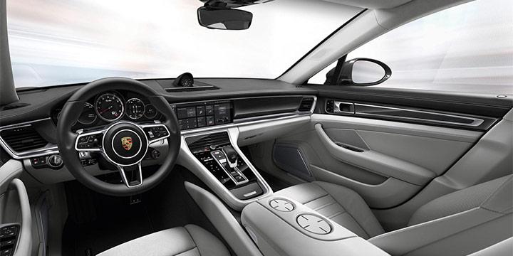 전 세계에서 딱 열 대만 꼽았다. 해외 자동차 전문 매체 '워즈오토'에서 발표한 '올해 베스트 인테리어 10'의 자동차 리스트.