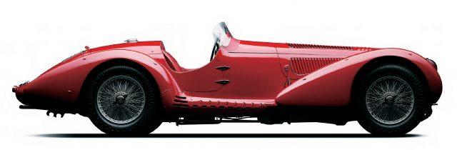 시계 회사가 대회 이름을 제품에 빌릴 만큼 유명한 자동차 레이스가 많았다. 1938년 밀레밀리아 경기에 참가한 알파로메오 8C2900의 디자인을 보면 이유를 알 수 있다.