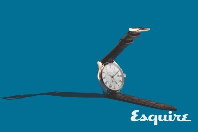 프레데릭 콘스탄트 클래식 오토매틱 GMT. 케이스 지름 42mm, 시·분·초·날짜와두 번째 시간대 표시, 스테인리스스틸 케이스, 가죽 스트랩. 200만원대