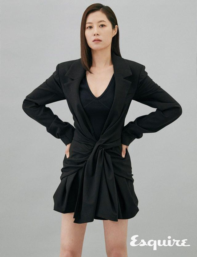 주름 장식 재킷 자크뮈스. 보디슈트 렉토.