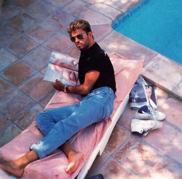 조지 마이클, 1990년대, 수영장