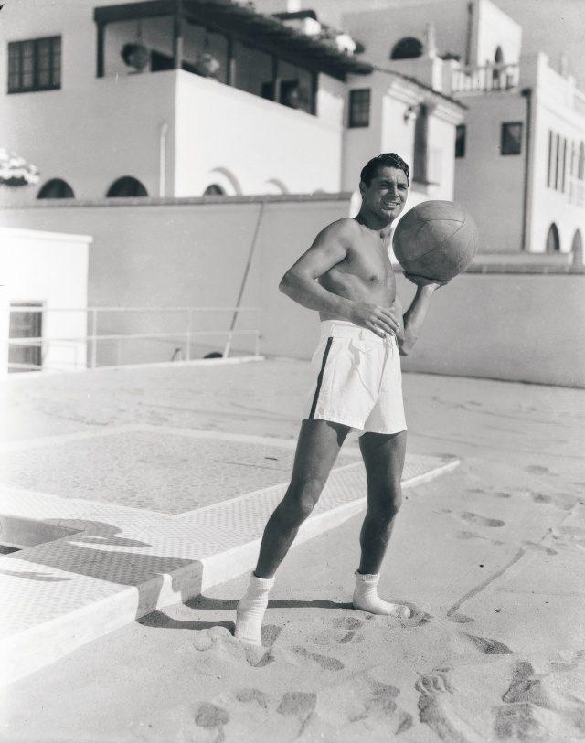캐리 그랜트, 1935년, 해변