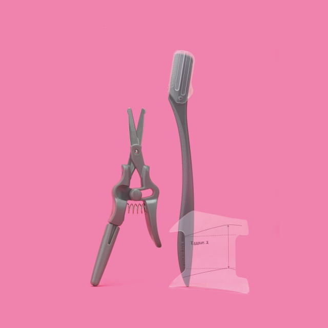 코털 가위, 눈썹 칼, 눈썹 가이드로 구성된 안면 매너 세트. 4500원 매너남 by 올리브영.
