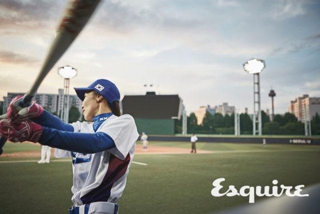 """12 박수빈 / 포수, 1990년생""""소프트볼 선수였는데 야구가 더 잘 맞는 거 같아요. 소프트볼할 때도 매번 상비군만 했고, 국가대표는 이번이 처음이에요. 끝내기로 끝내는 드라마를 꿈꿔요."""""""