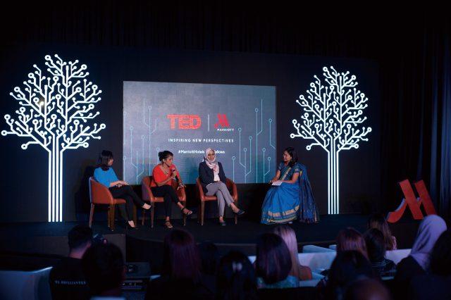 트랑 트란, 아샤 데 보스, 주바이다 바이, 페기 팡 로가 질의응답 시간을 가졌다.
