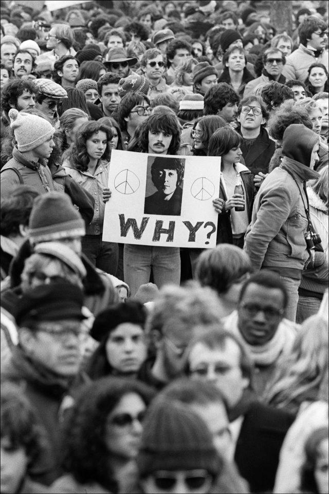 Lennon Memorial, 1980 ⓒ Allan Tannenbaum