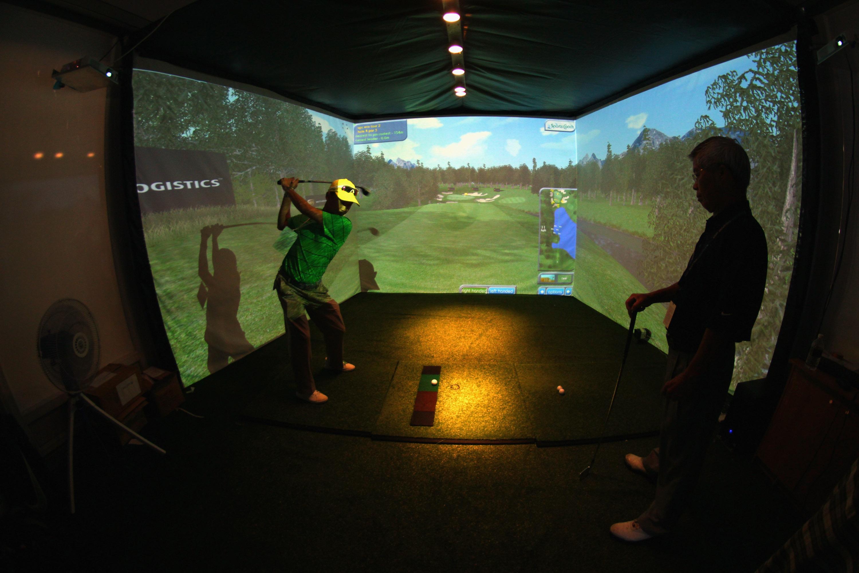스크린 골프는 계절과 장소를 가리지 않는 골퍼들을 위한 최적의 대안이다.