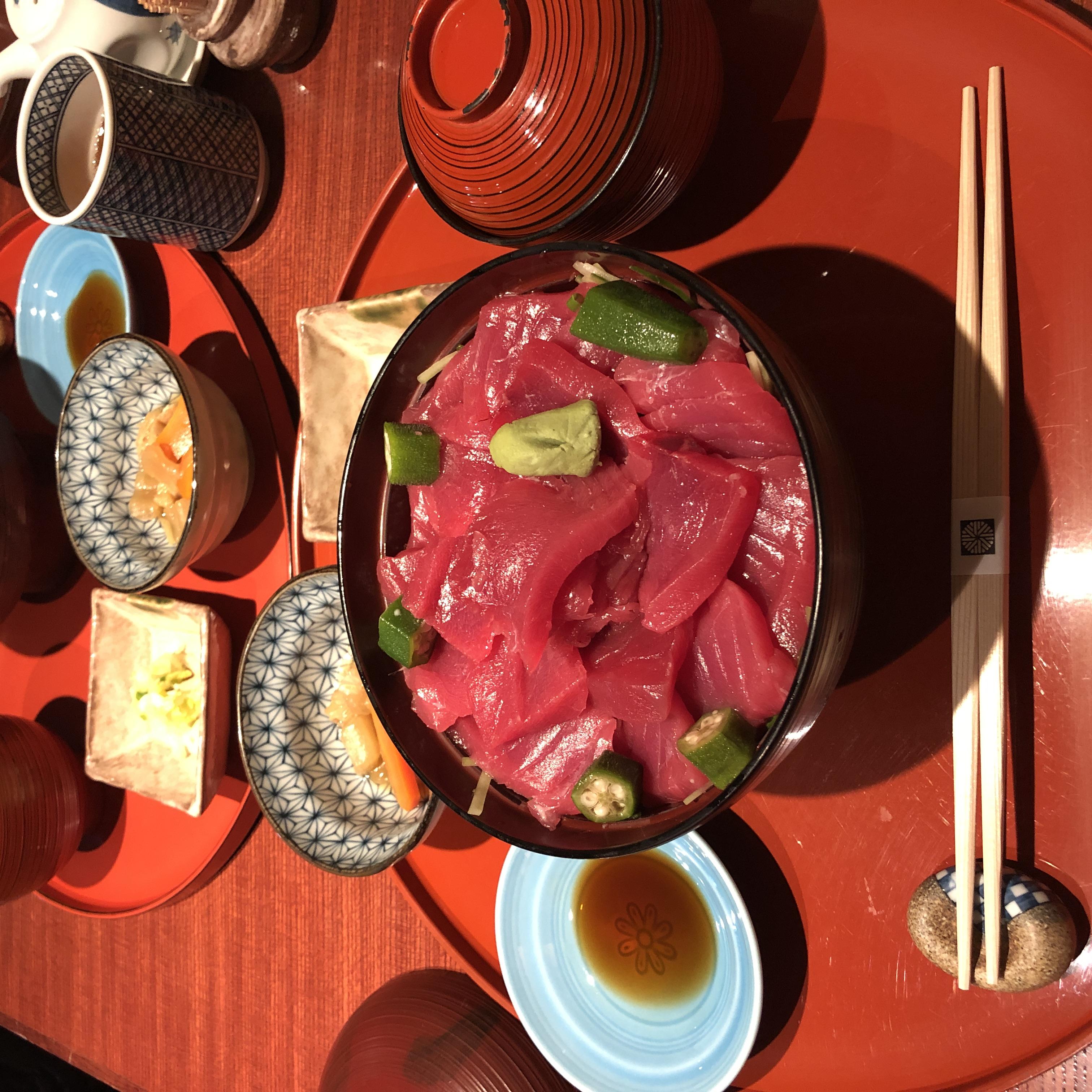 도쿄 현지인들이 알려준 숨은 맛집을 찾아갔다.