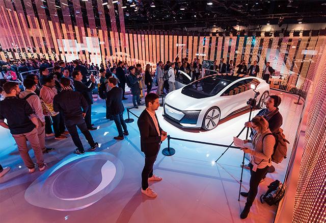 아우디는 자동차를 가상현실 플랫폼으로 통합하는 기술을 중점적으로 선보였다.