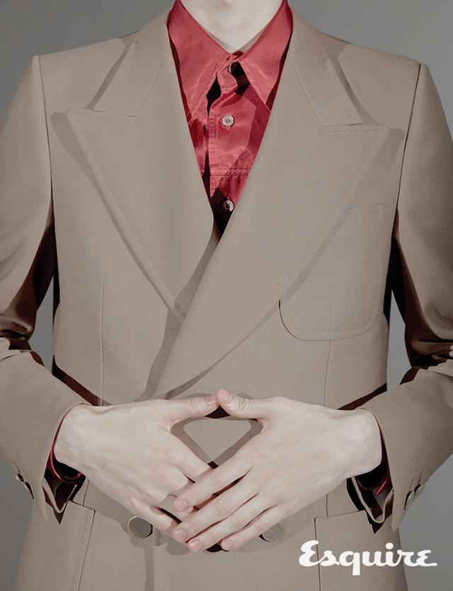 재킷, 셔츠 모두 가격 미정 구찌.