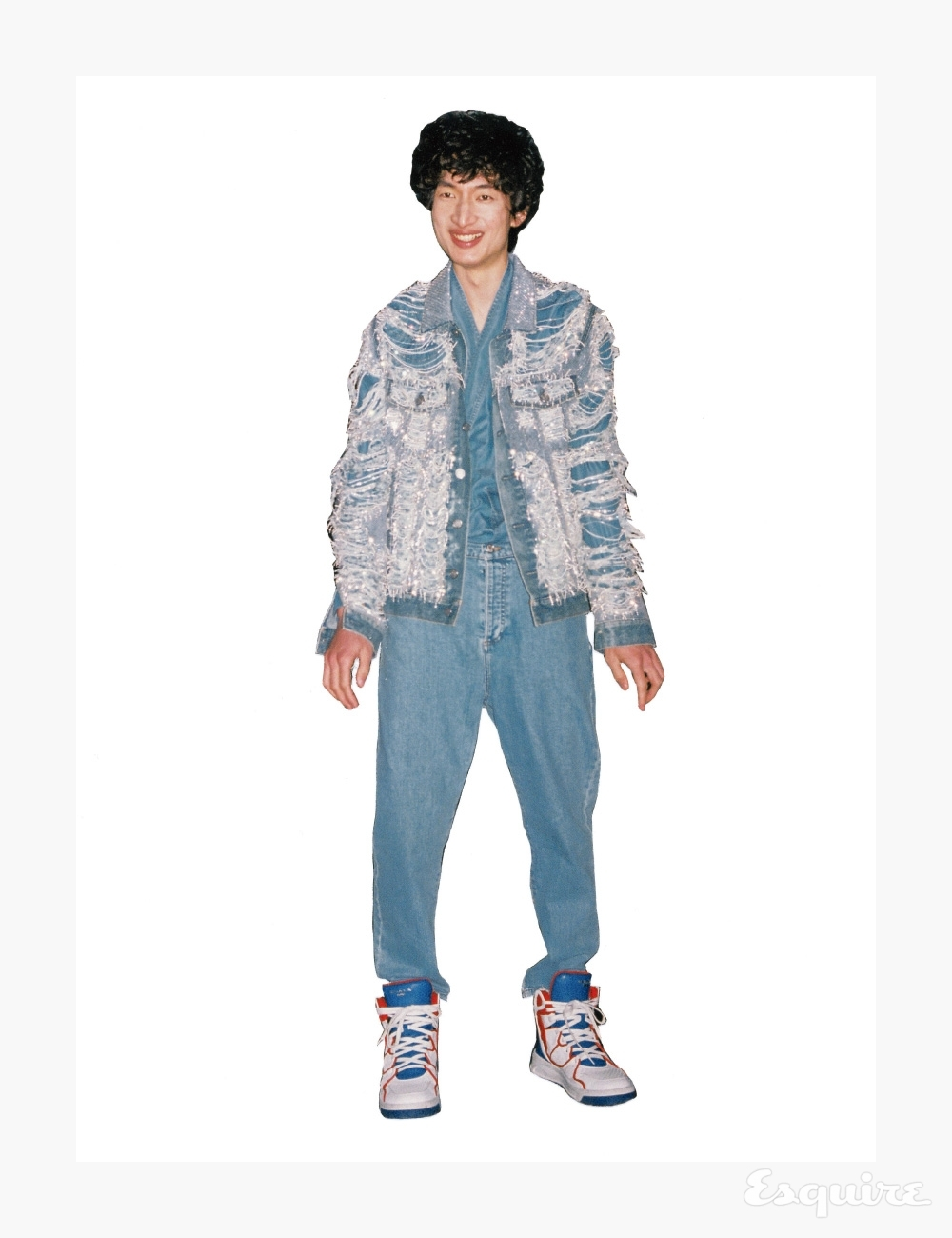 재킷, 셔츠, 청바지, 스니커즈 모두 가격 미정 발망.