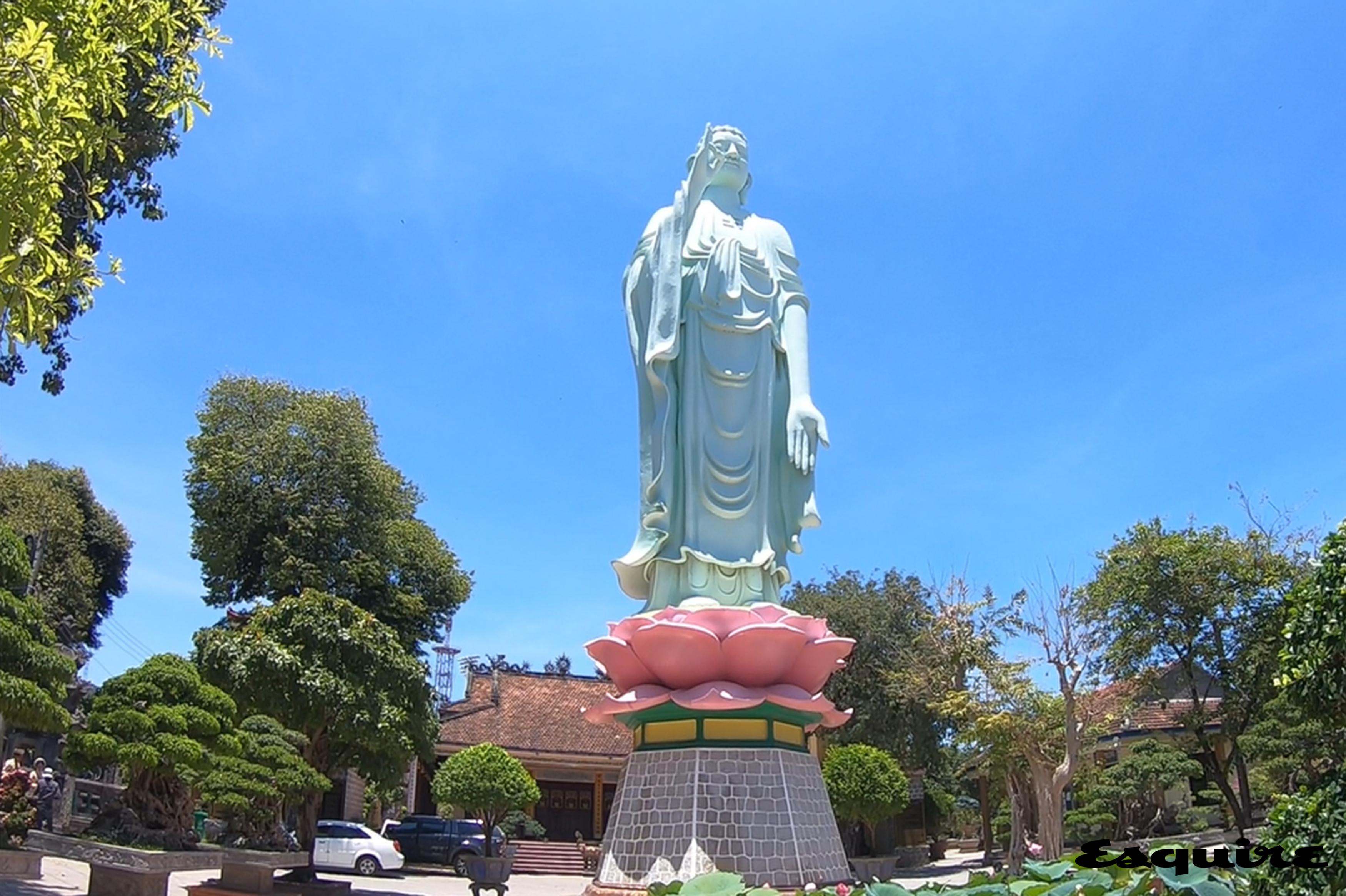 롱칸 파고다 Long Khanh Pagoda