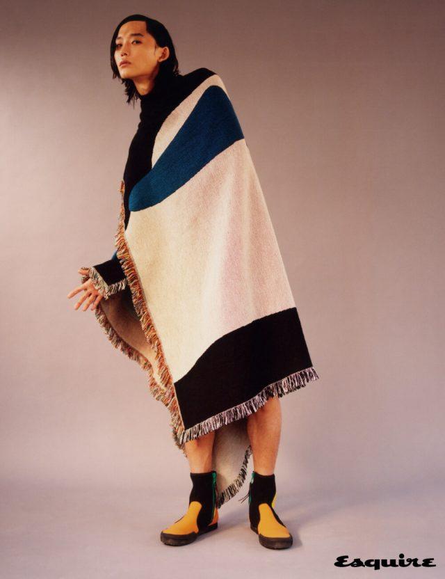 블랭킷 가격 미정 비소 프로젝트. 부츠 가격 미정 로에베 폴라 이비자 컬렉션.